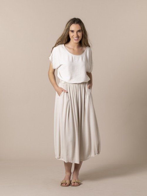 Woman Oversize wrinkled T-shirt Beige