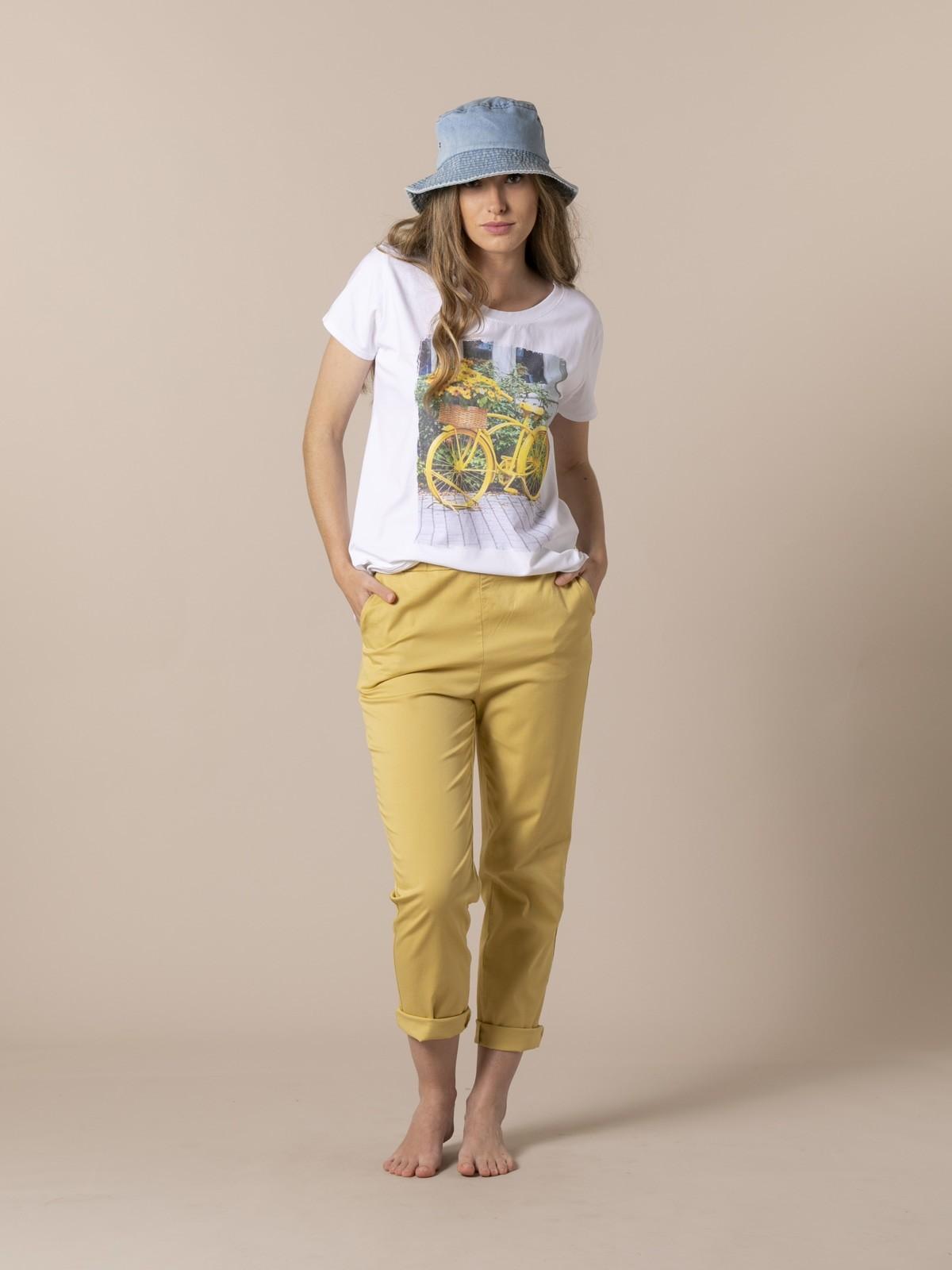 Woman Woman Bike T-shirt Amarillo