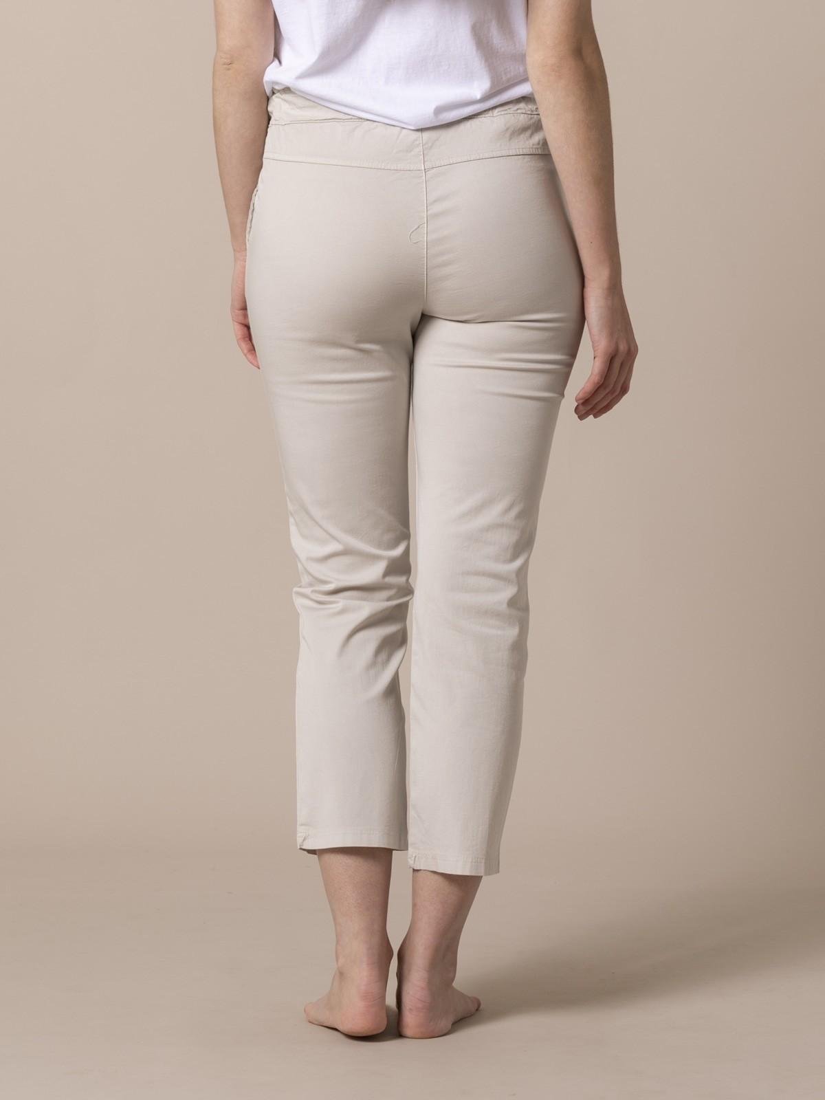 Pantalón mujer tobillero casual Beige