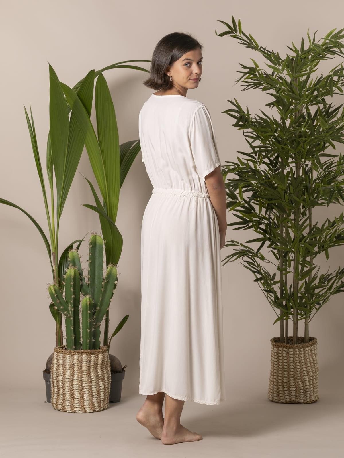 Woman Long flowing V-neck dress Beige