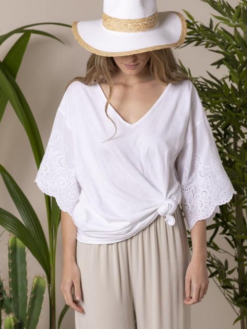 Camiseta mujer bordados y perforada Blanco