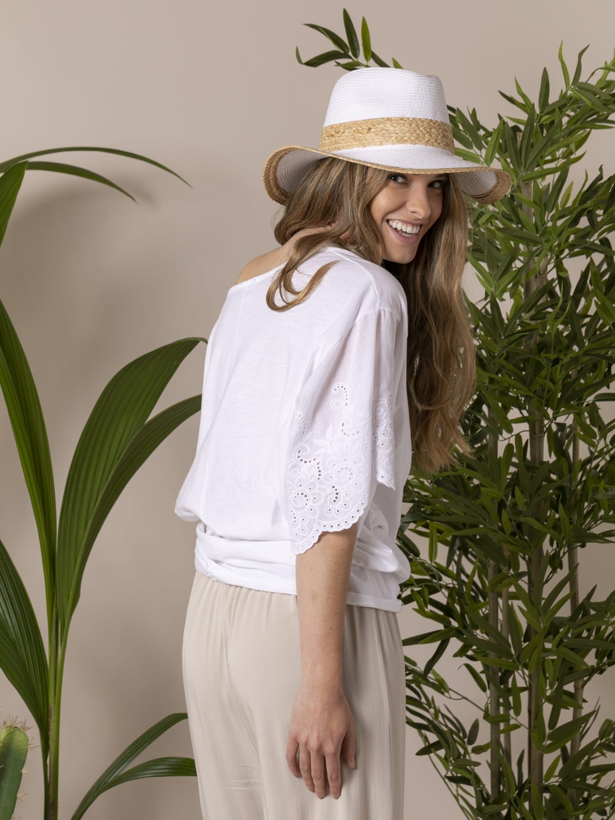 Woman Woman Embroidered and perforated T-shirt White