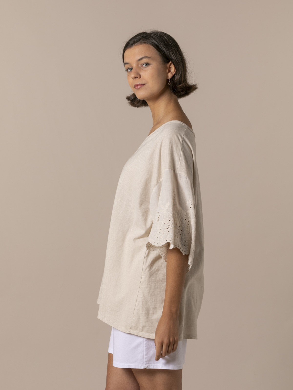 Woman Woman Embroidered and perforated T-shirt Beige