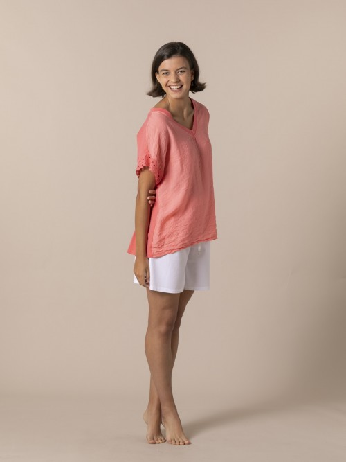 Woman Embroidered pre-punched cotton T-shirt Coral