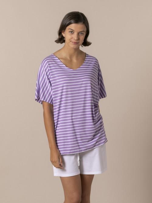 Woman Striped V-neck T-shirt Lila