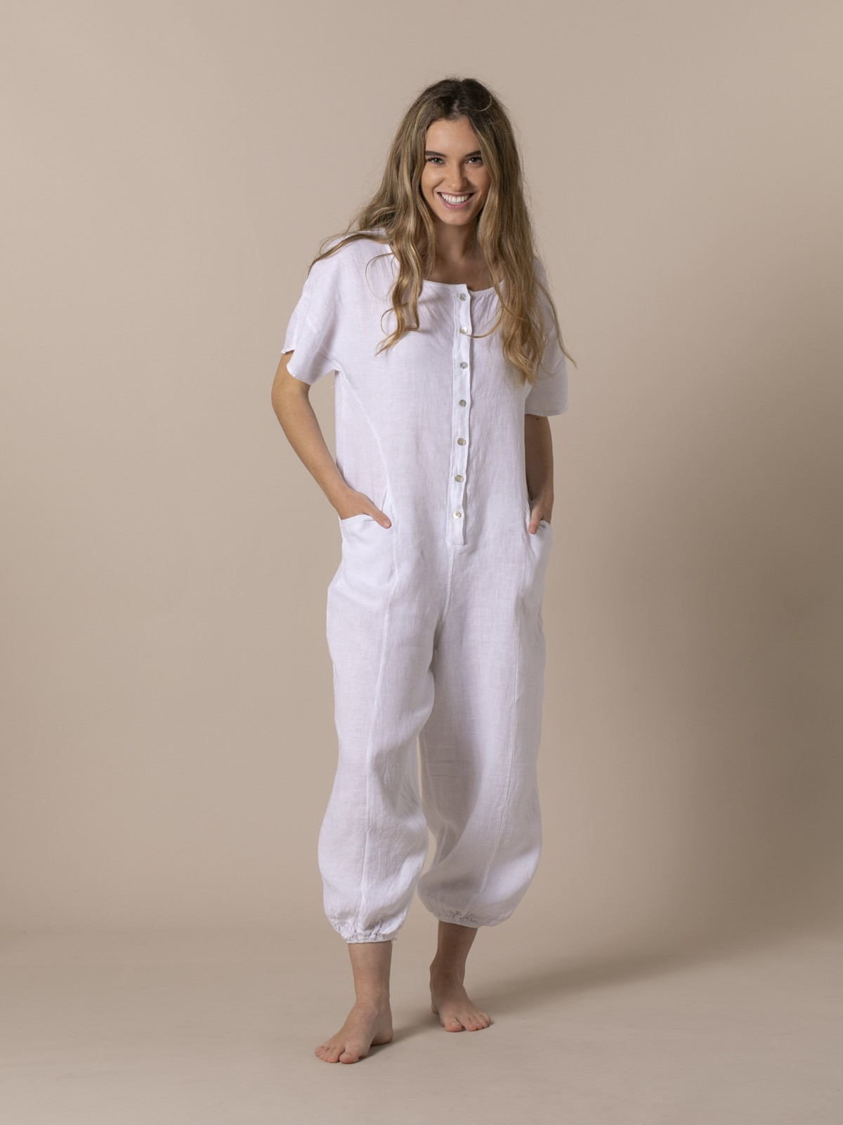 Woman Woman Linen jumpsuit with buttons and elastic hem White