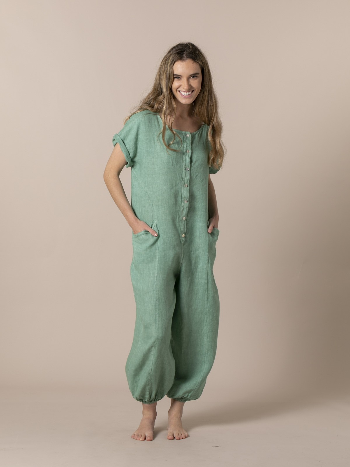 Woman Woman Linen jumpsuit with buttons and elastic hem Green