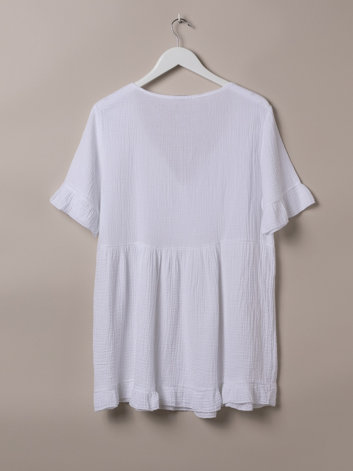 Woman Open neck crinkled cotton dress White