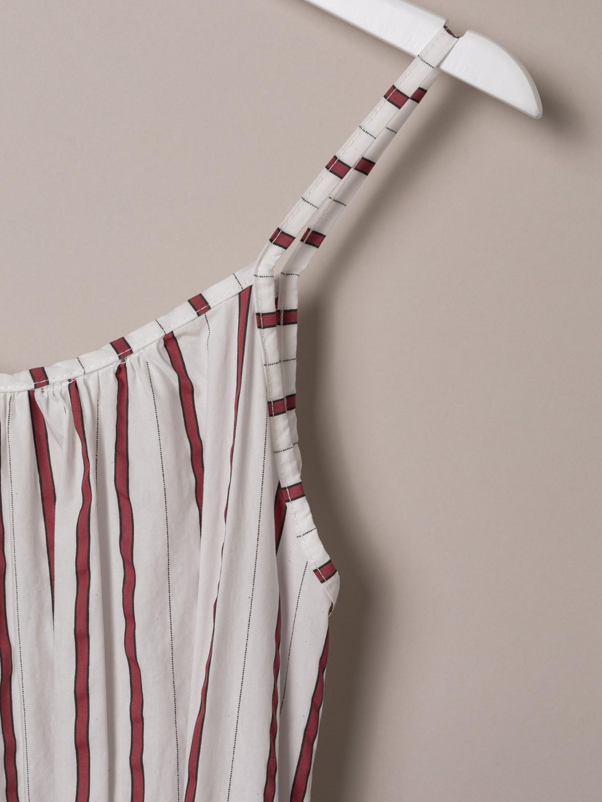 Vestido con cinturón largo de rayas Rojo