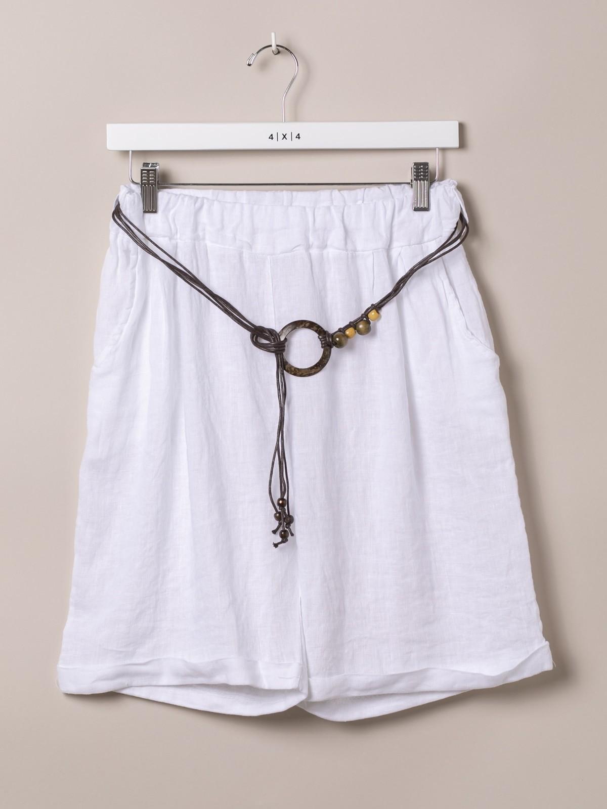Woman Oversized linen bermuda shorts with belt White