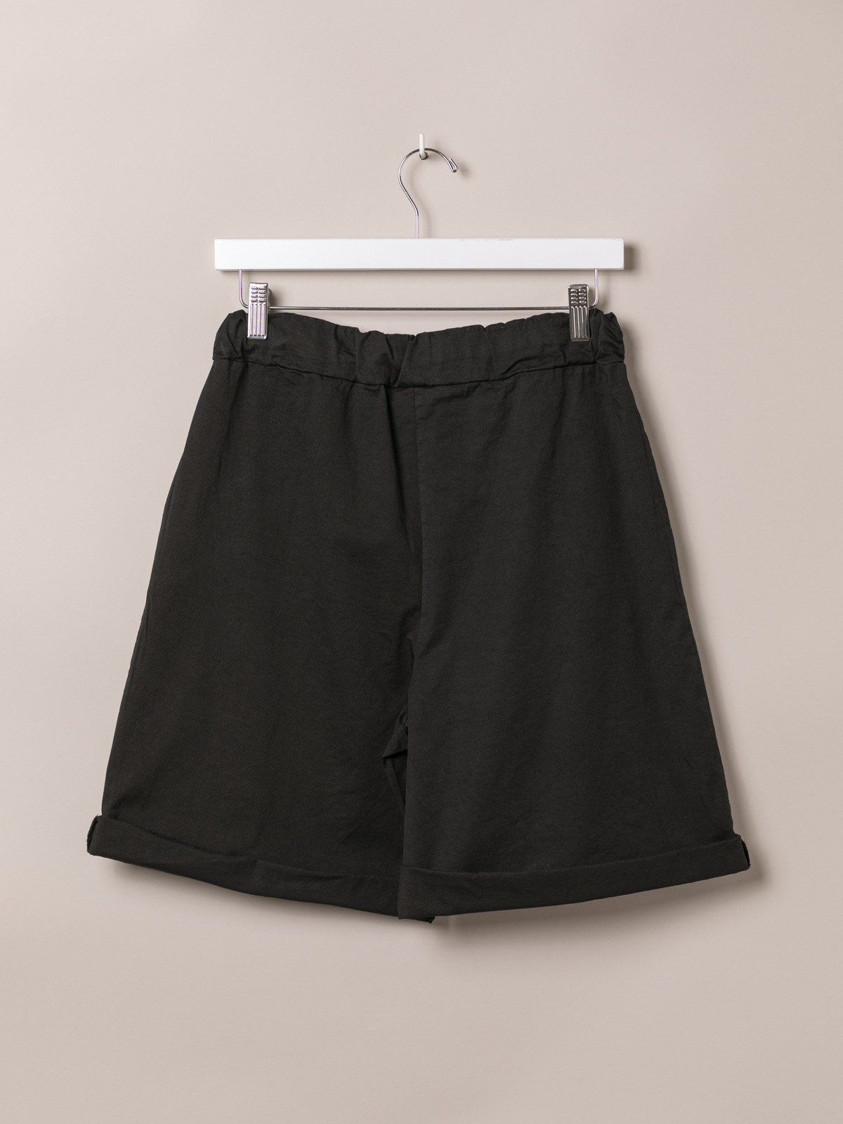 Woman Basic bermuda shorts and elastic waistband Black
