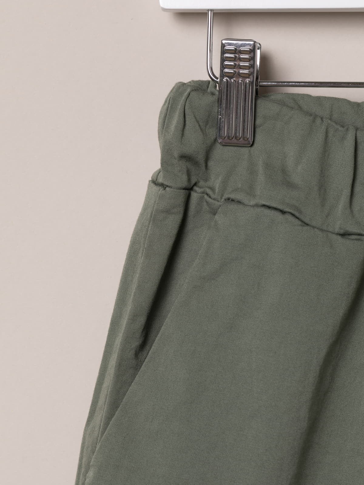 Woman Basic bermuda shorts and elastic waistband Khaki