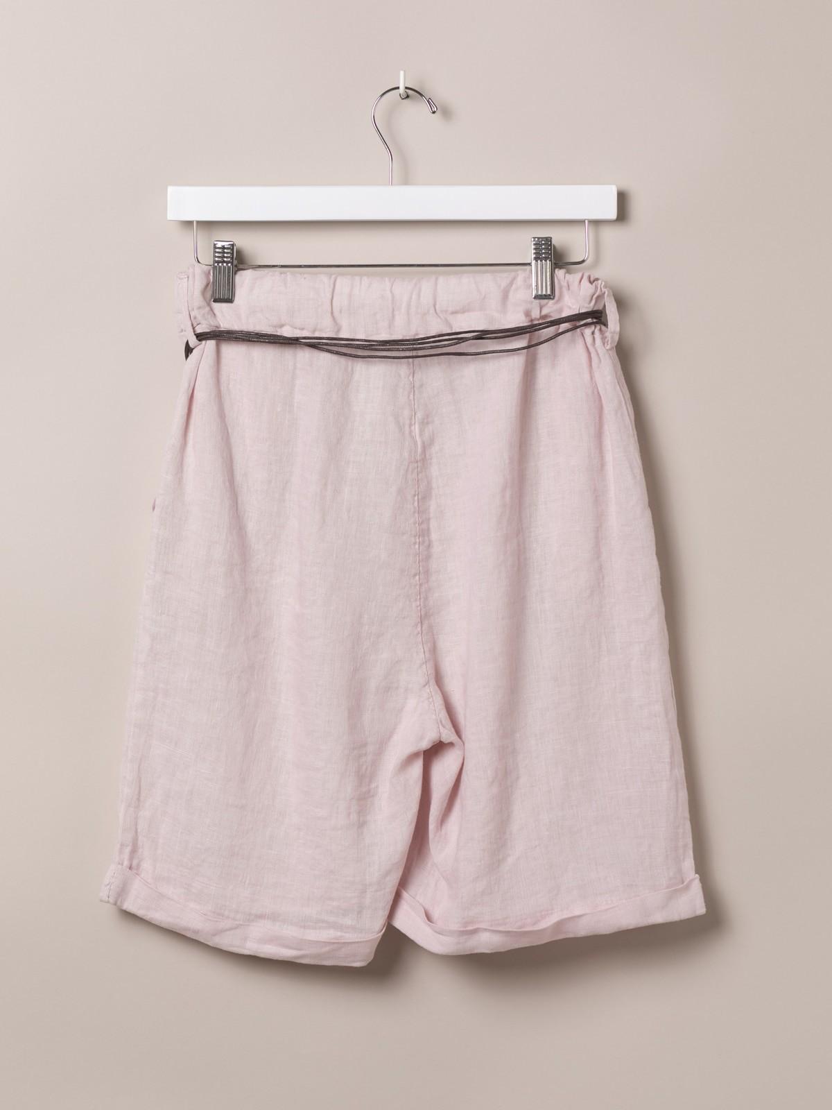 Woman Oversized linen bermuda shorts with belt Pink