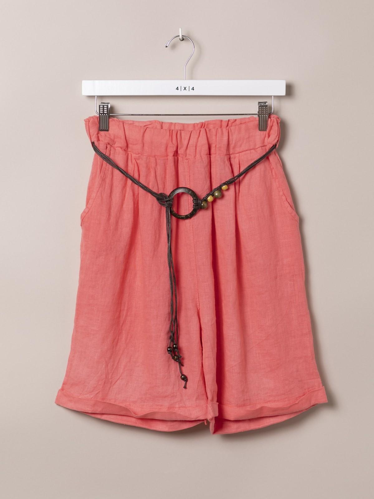 Bermuda oversize mujer de lino con cinturón Coral
