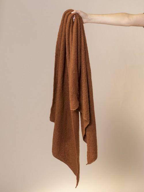 Woman Soft scarf Marrón
