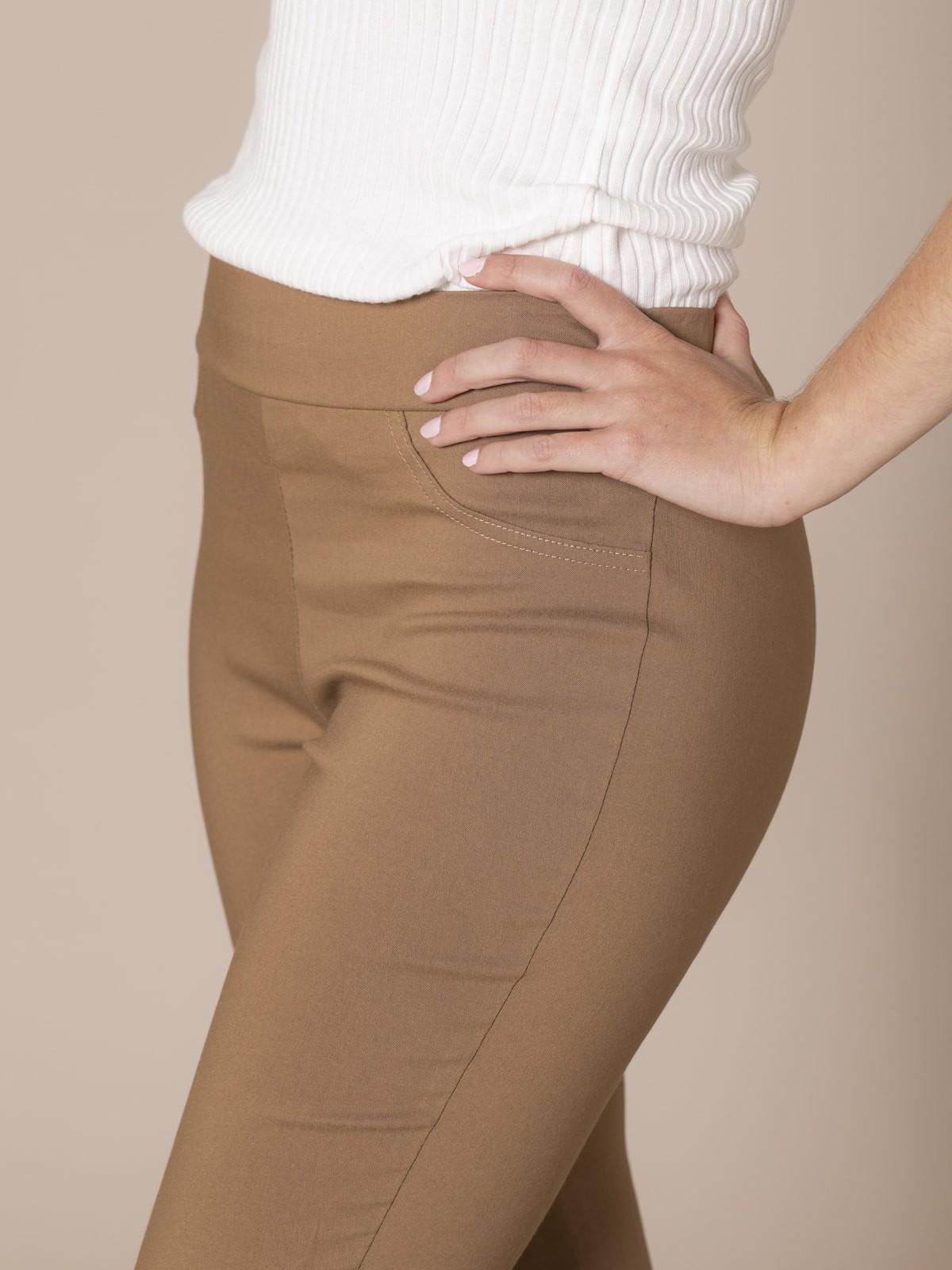 Pantalón mujer slim fit super cofort Camel