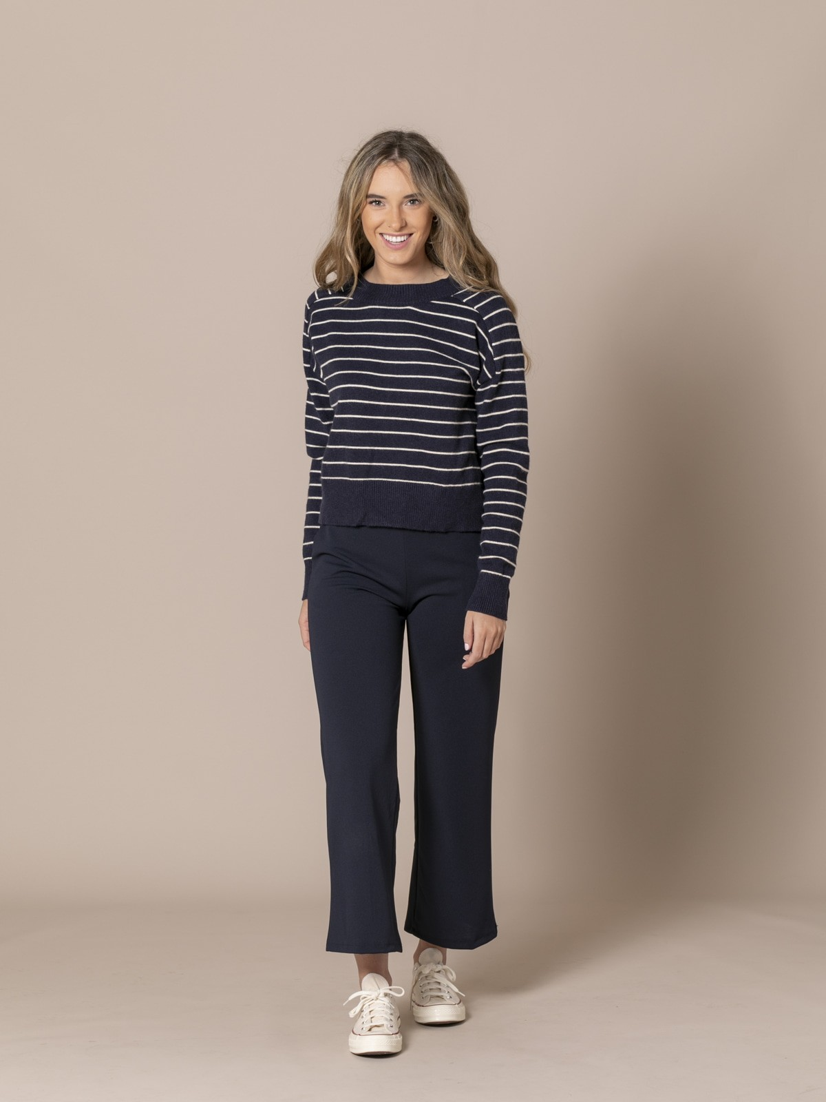 Woman Dropped trousers with pockets Blue Navy