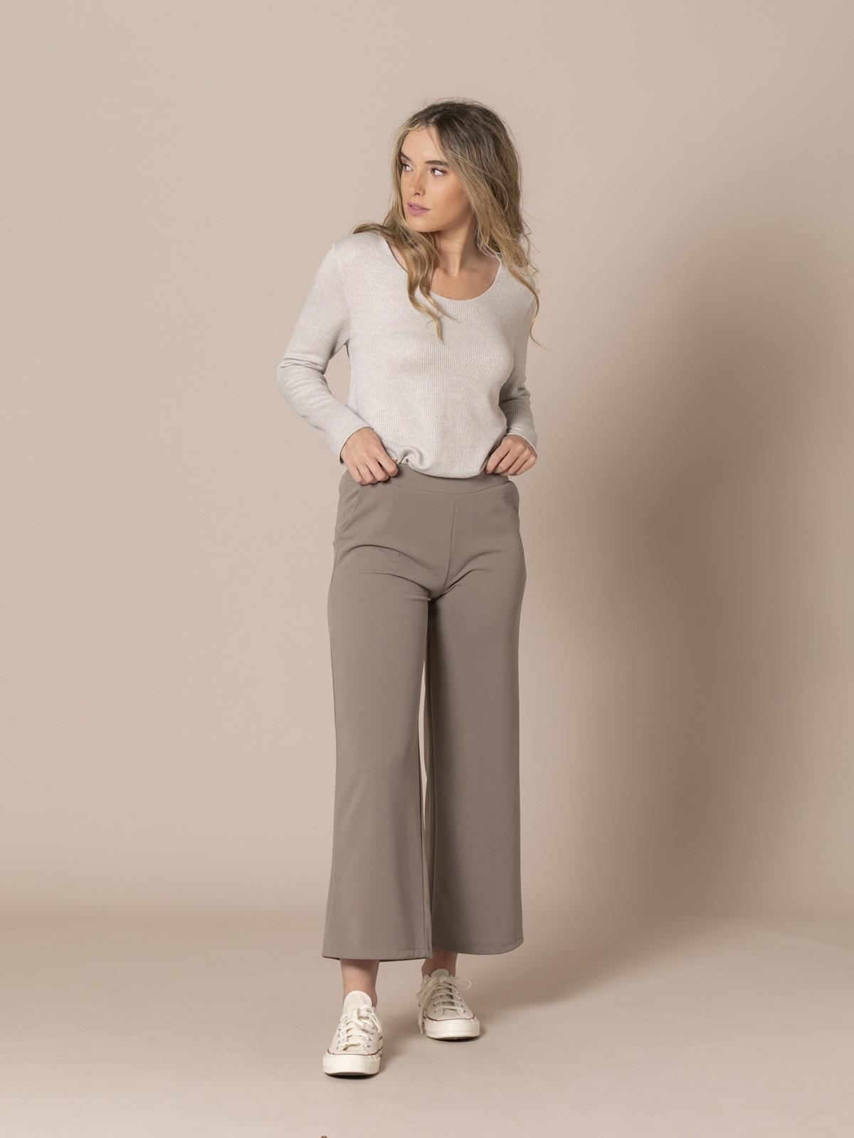 Pantalón mujer de caida con bolsillos Piedra