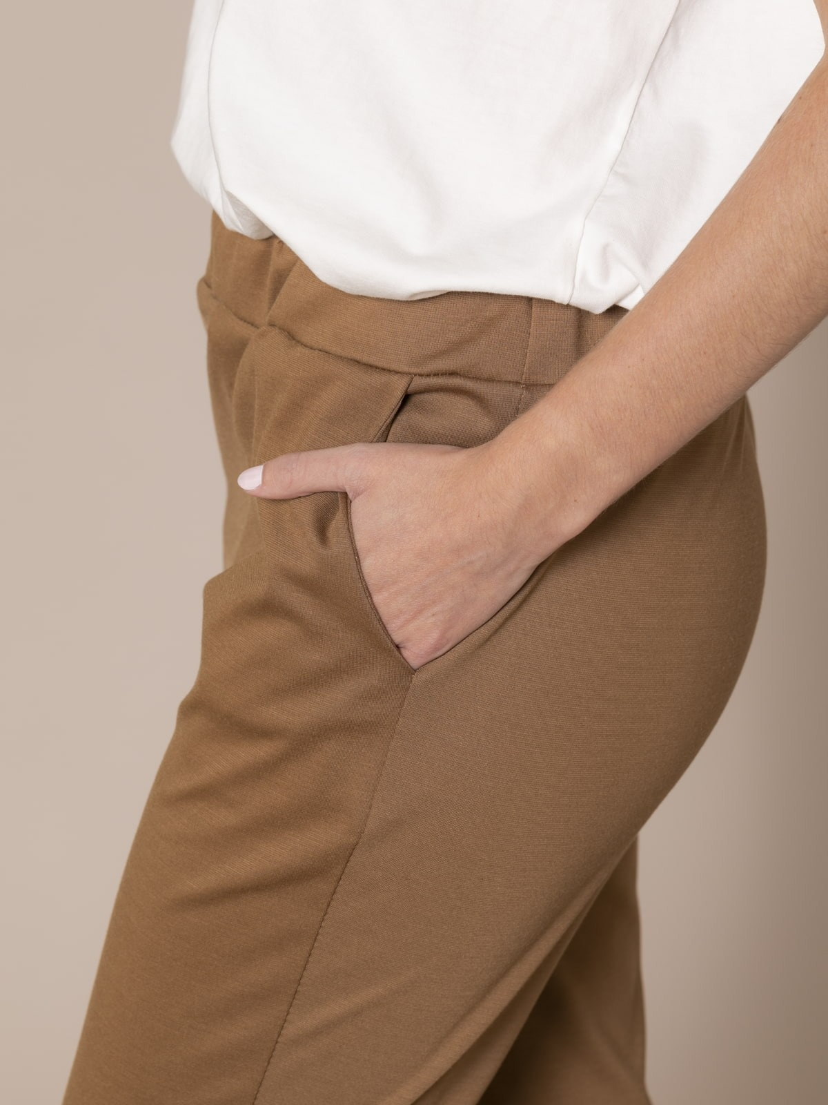 Pantalón mujer punto roma Camel