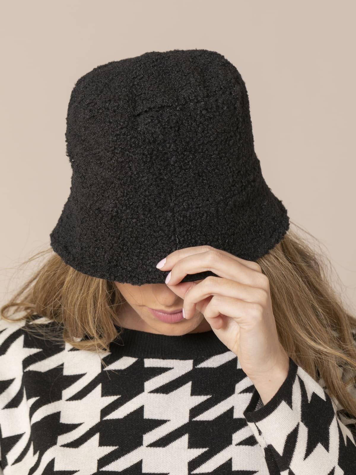 Woman Trendy reversible hat Black