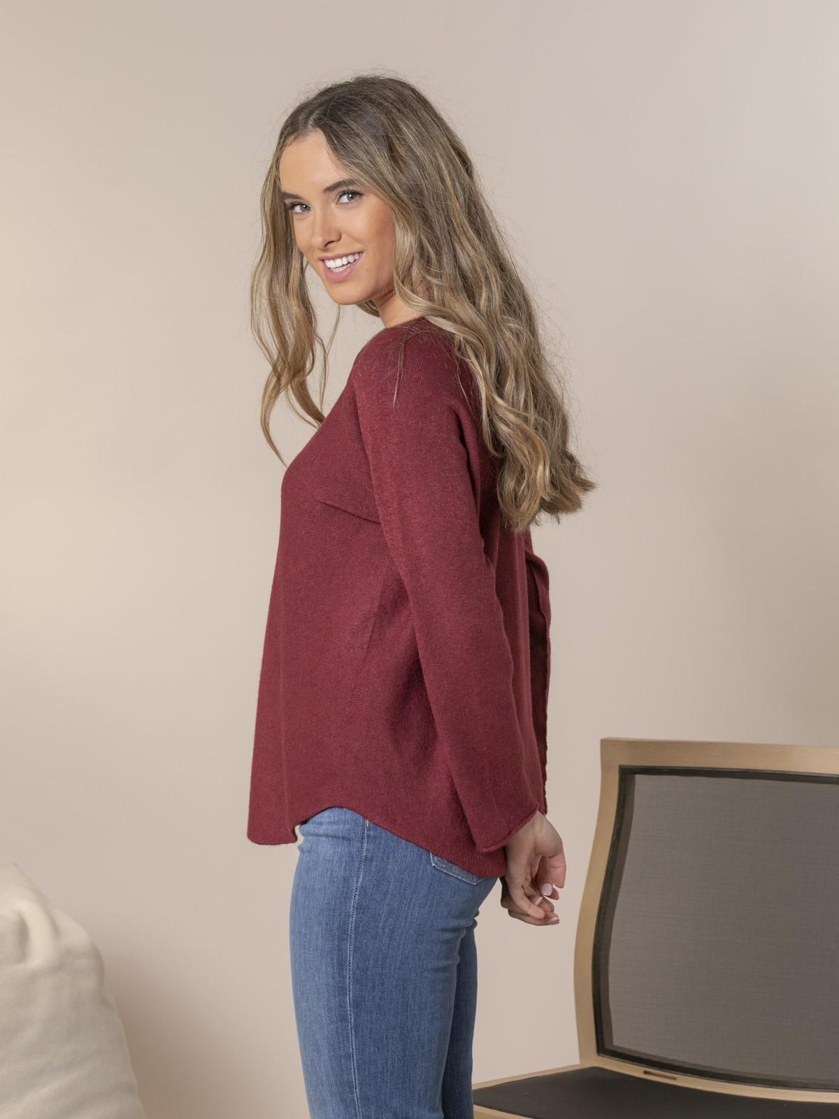 Woman Boat neck knit sweater Granate