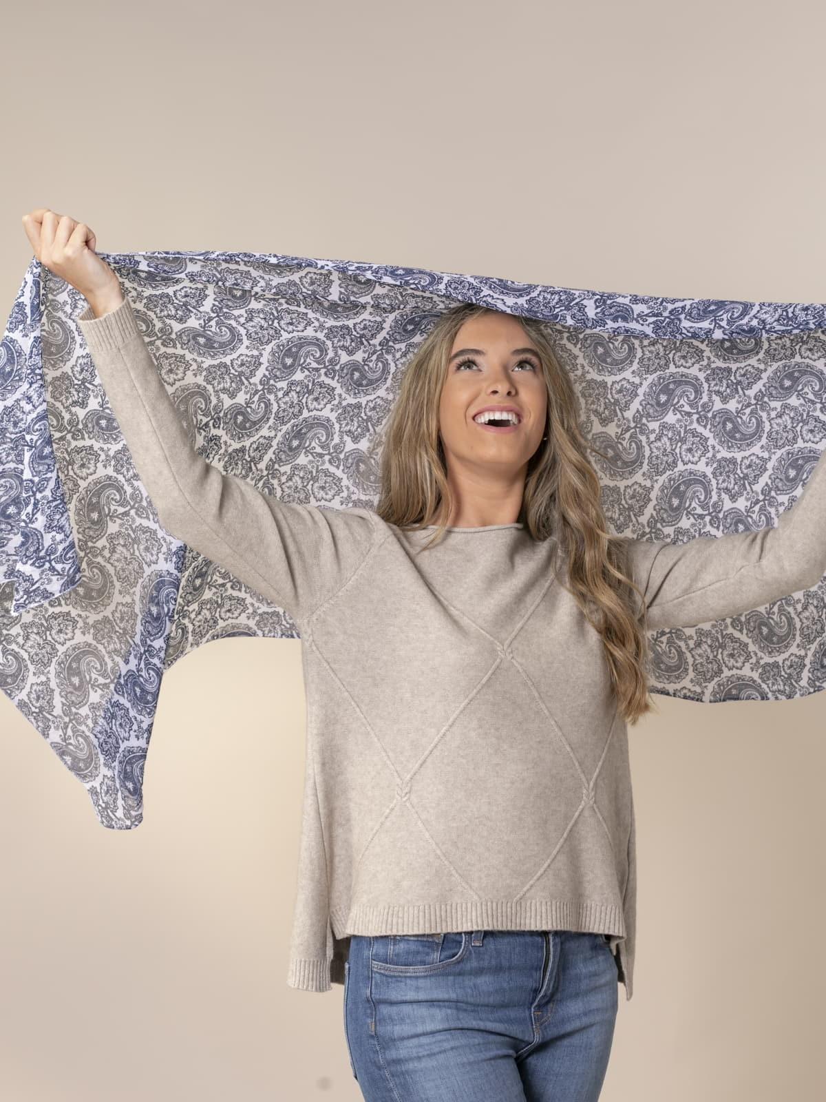 Woman Mono color amoeba scarf Blue Navy