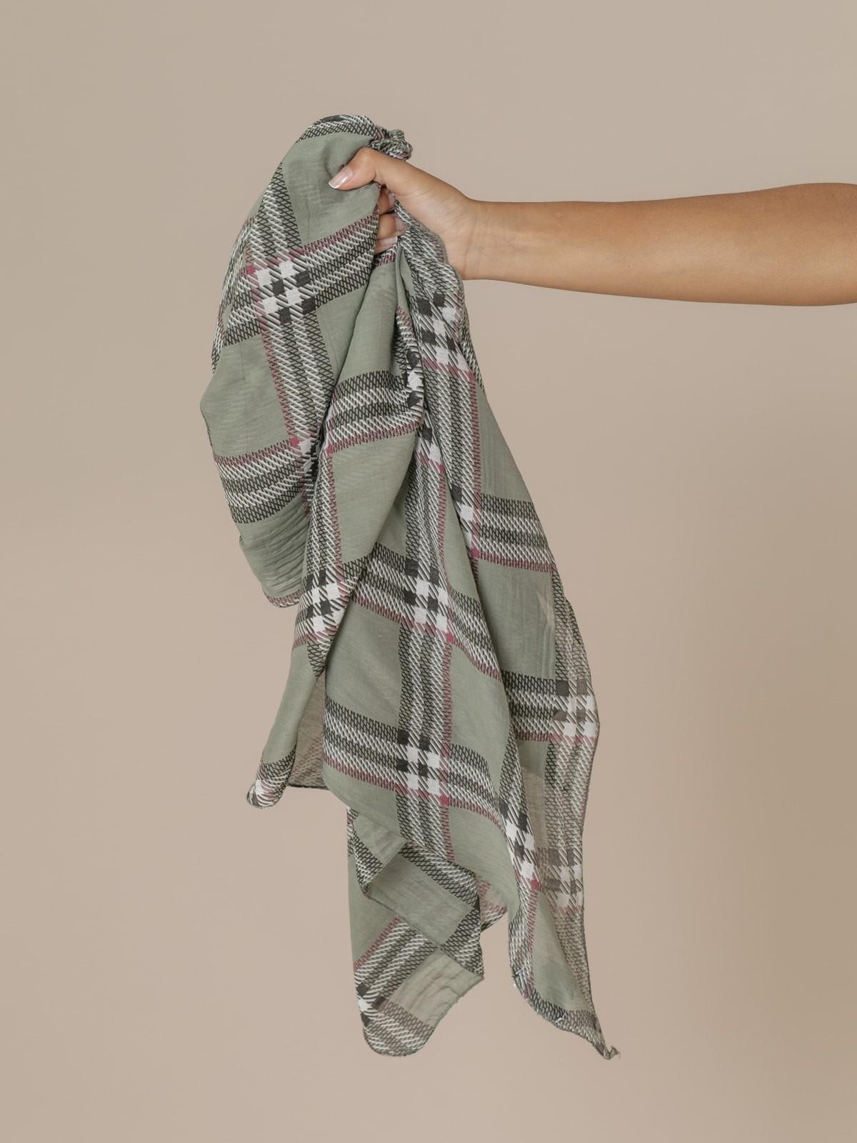 Woman Burberry square scarf Khaki