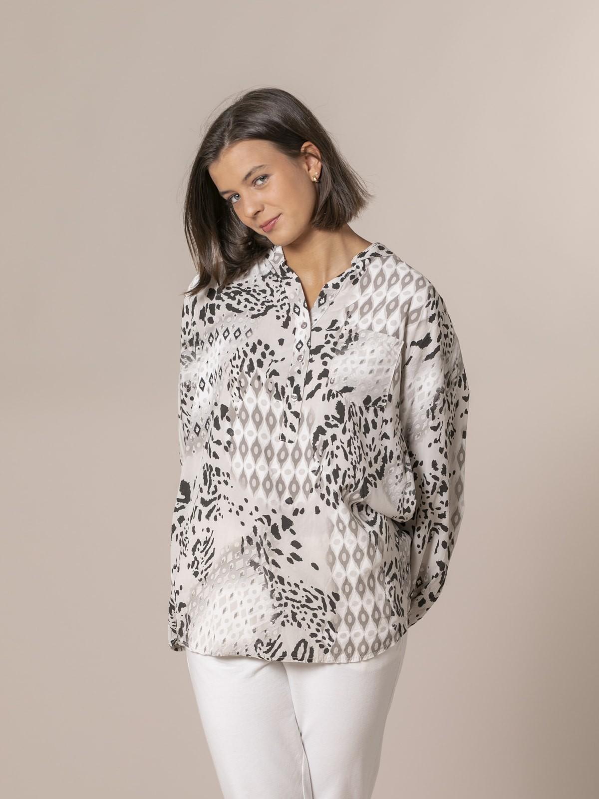 Camisa mujer botones étnico + serpiente Crudo