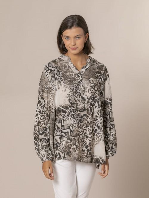Woman Snake print shirt Beige