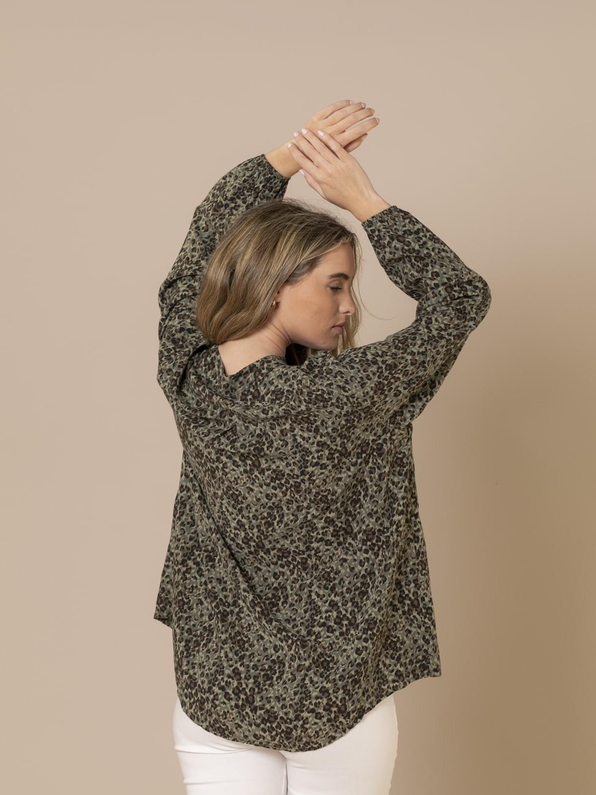 Woman Tiny animal print shirt Khaki