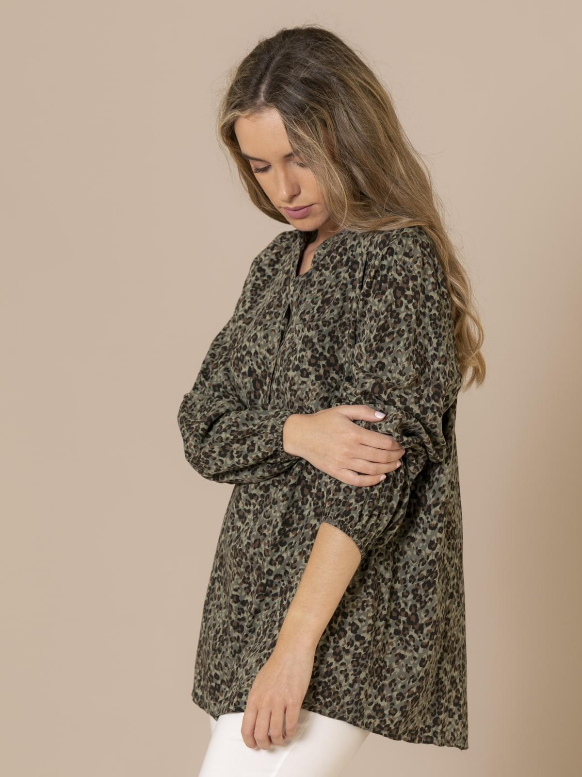 Camisa mujer botones animal print pequeñito Caqui