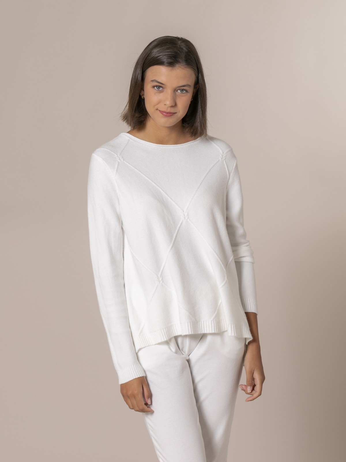 Woman Knitted and rhombus sweater Crudo