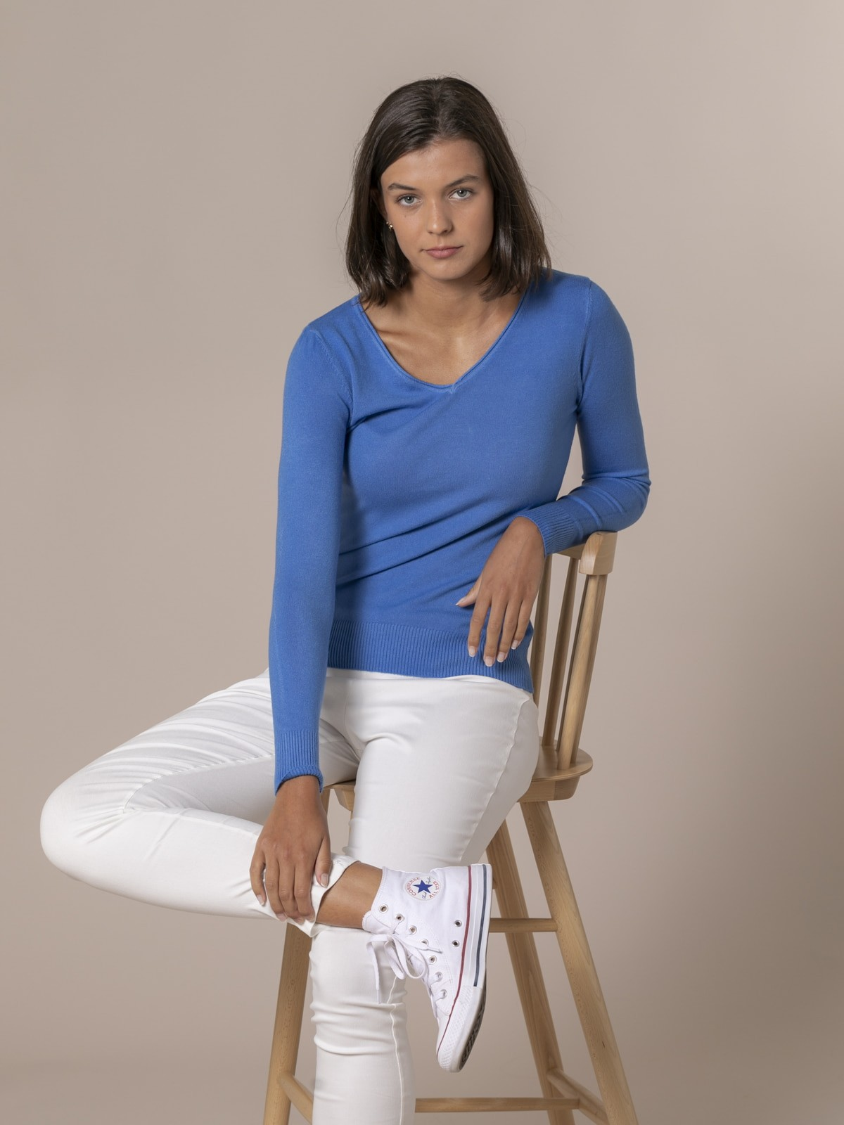 Woman Basic V-neck knit sweater Blue