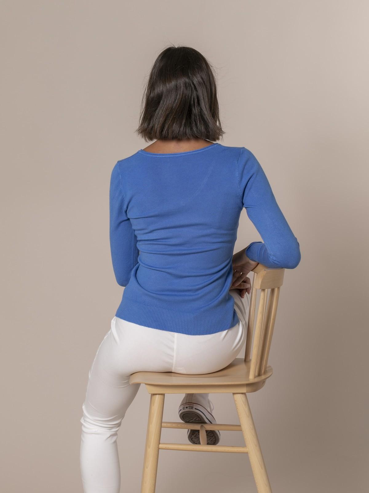 Jersey de punto básico cuello pico Azul