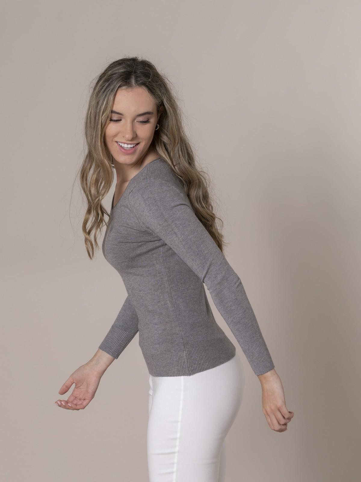 Woman Basic V-neck knit sweater Grey