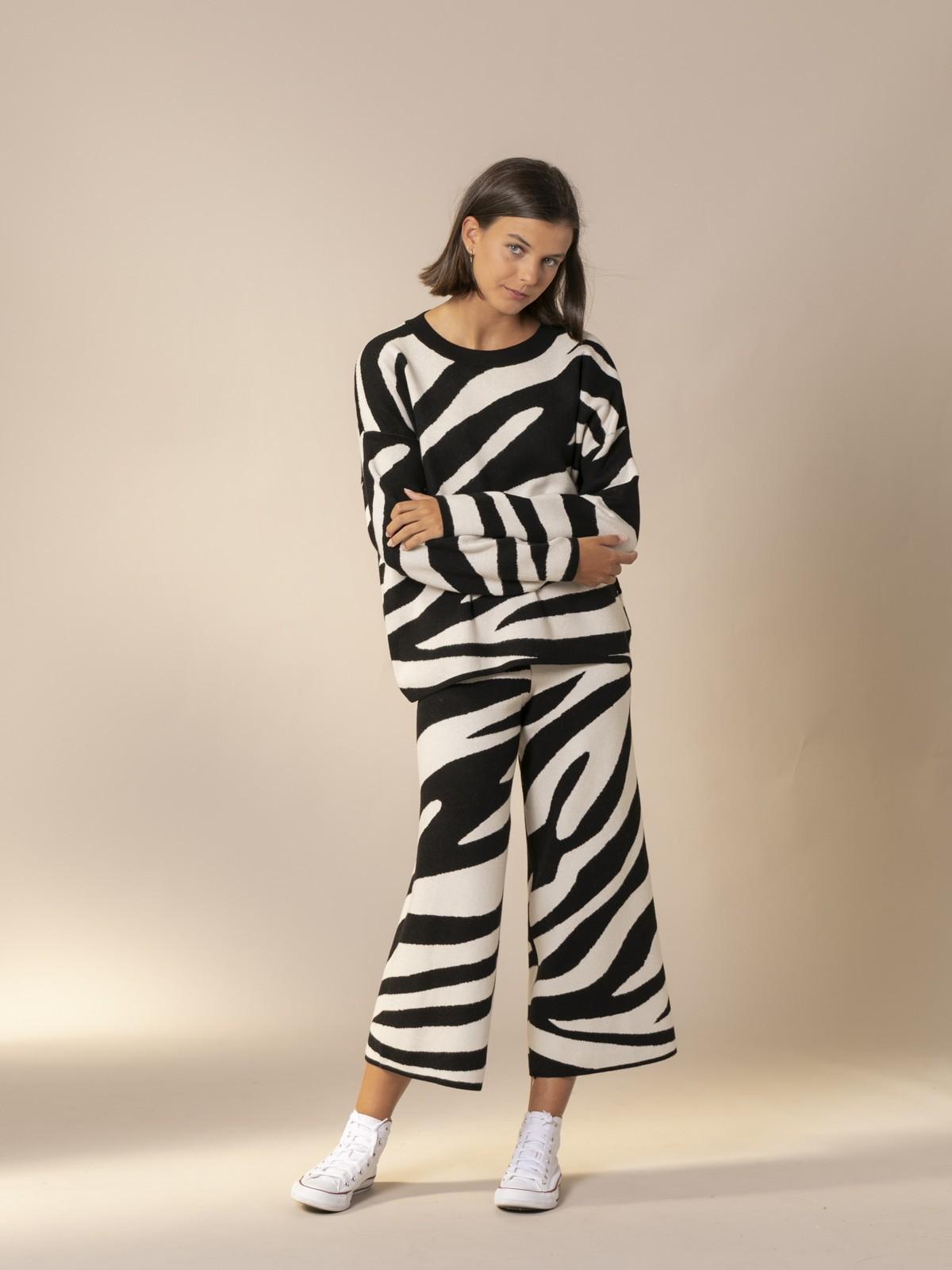 Woman Zebra knit sweater Black