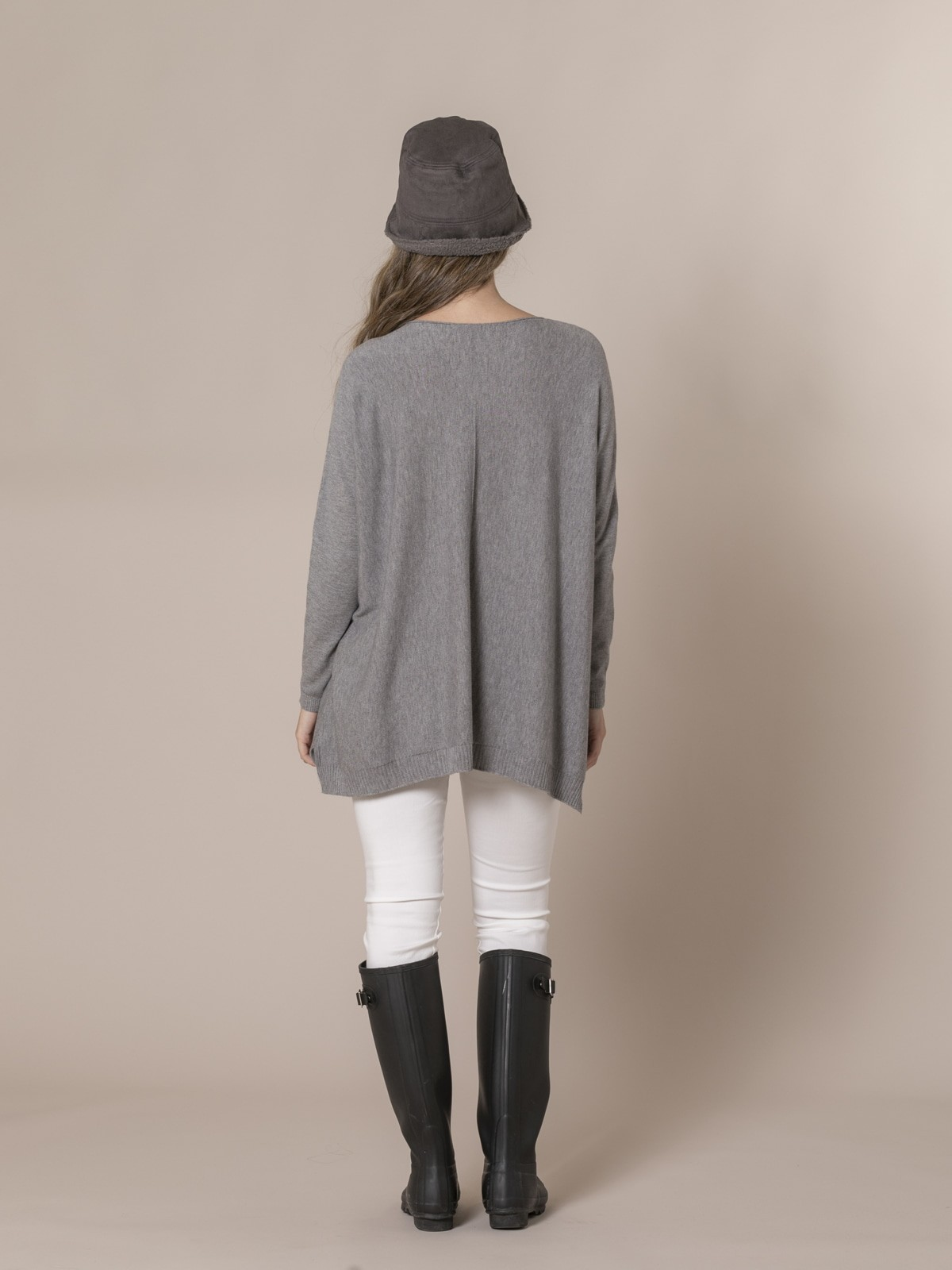 Woman Knitted sweater with pockets Grey