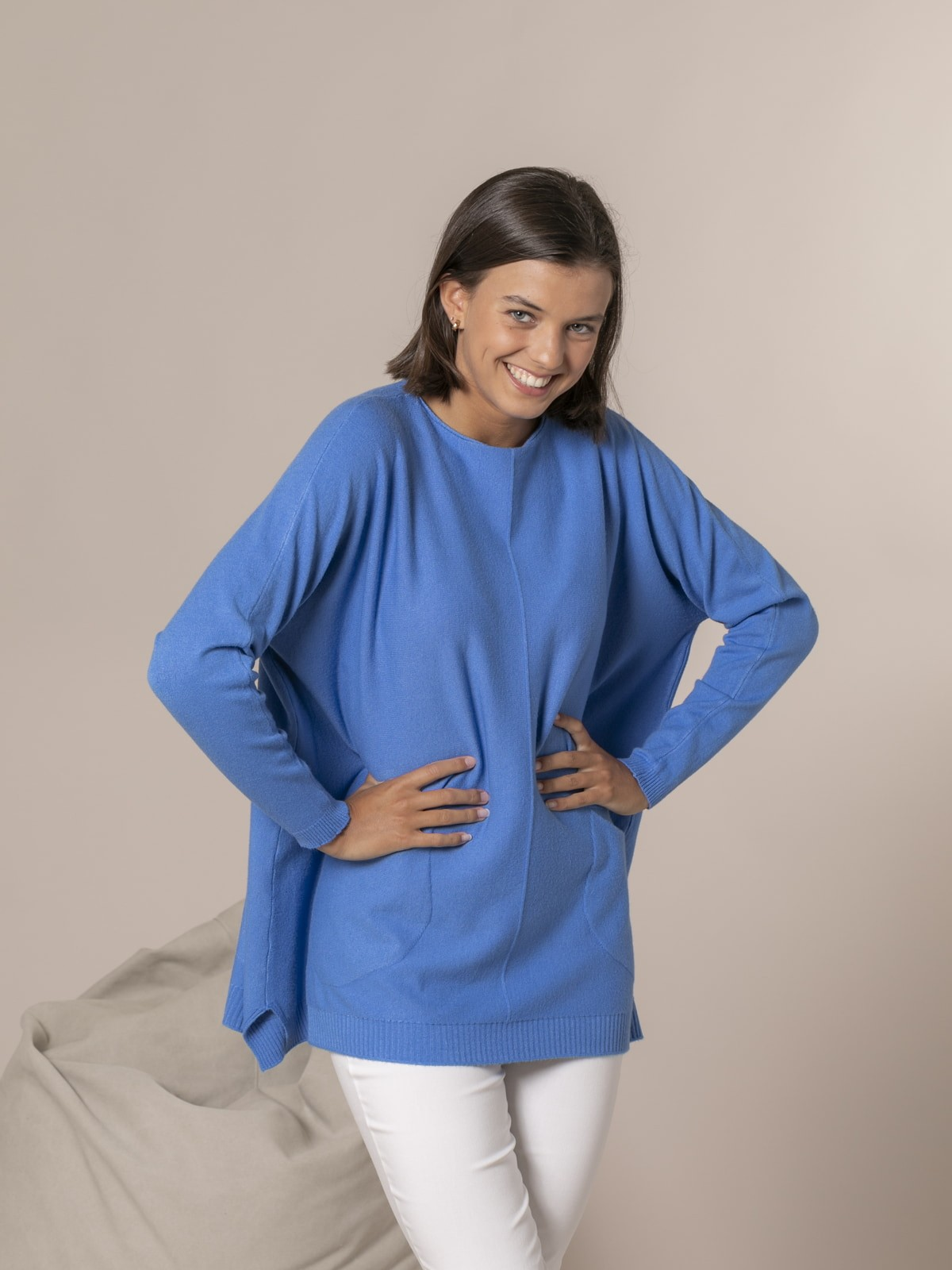 Woman Knitted sweater with pockets Blue