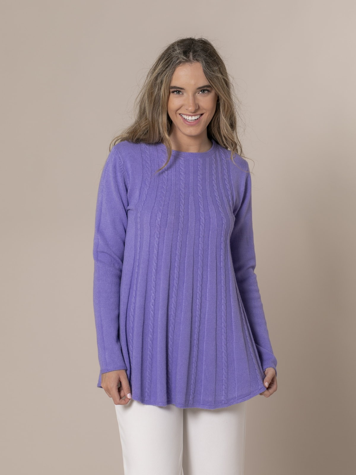 Woman Cable knit sweater Lila