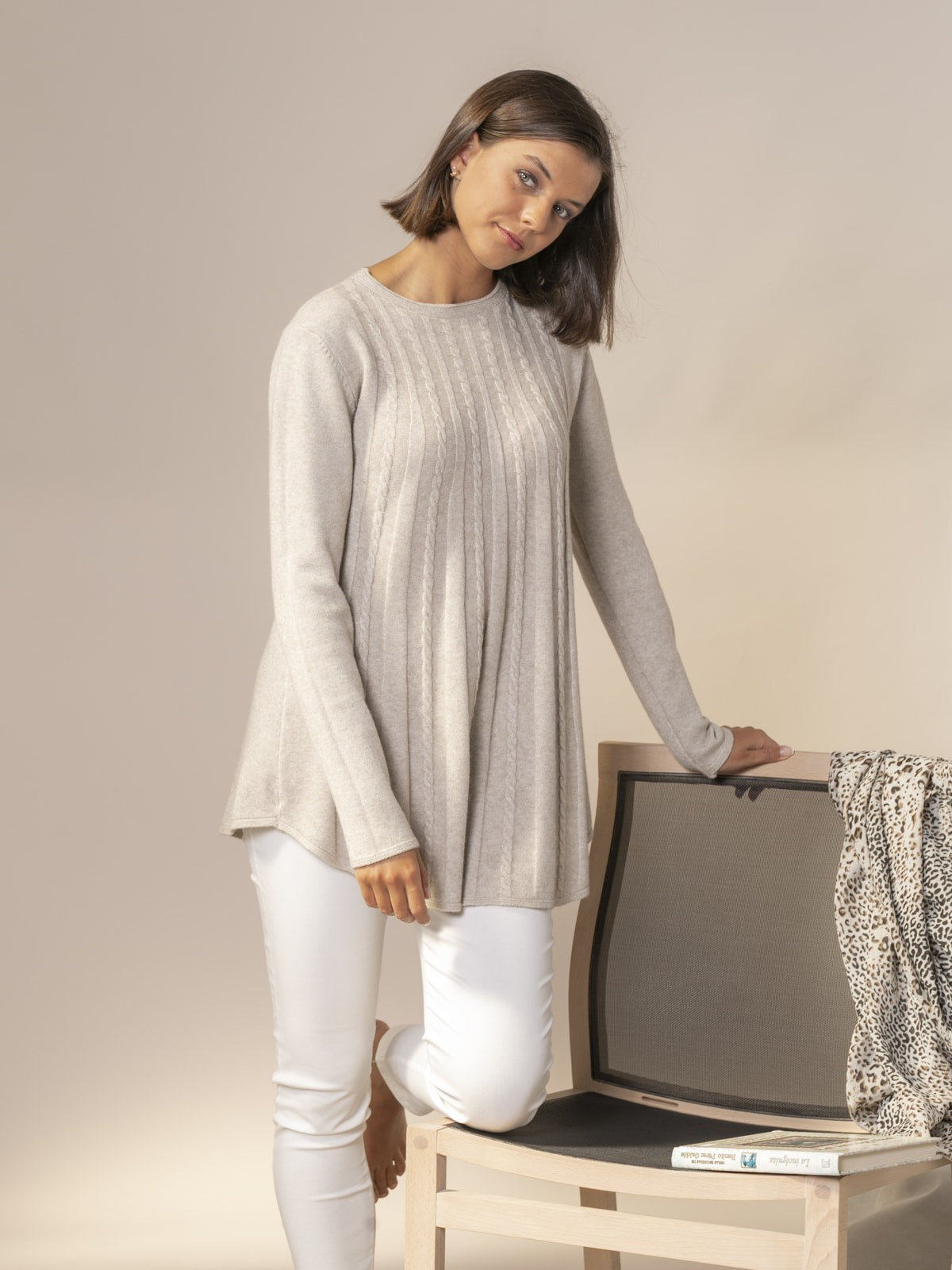 Woman Cable knit sweater Beige