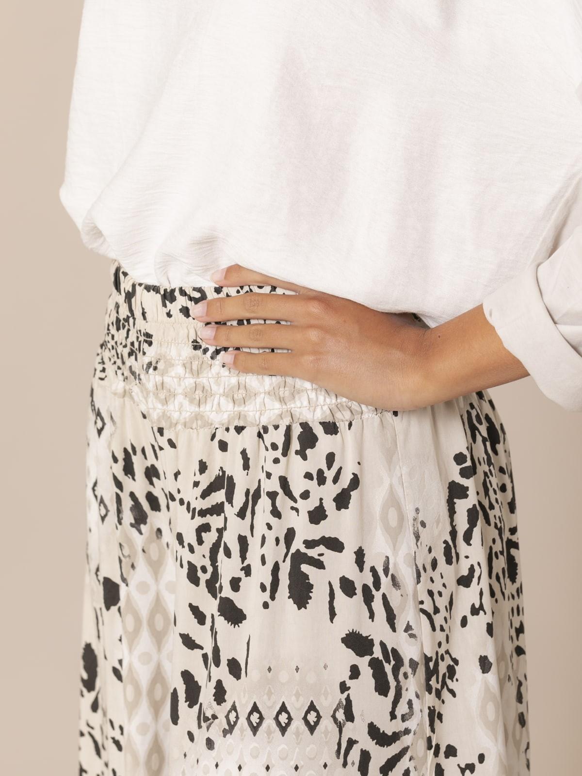 Woman Ethnic animal print trousers Crudo