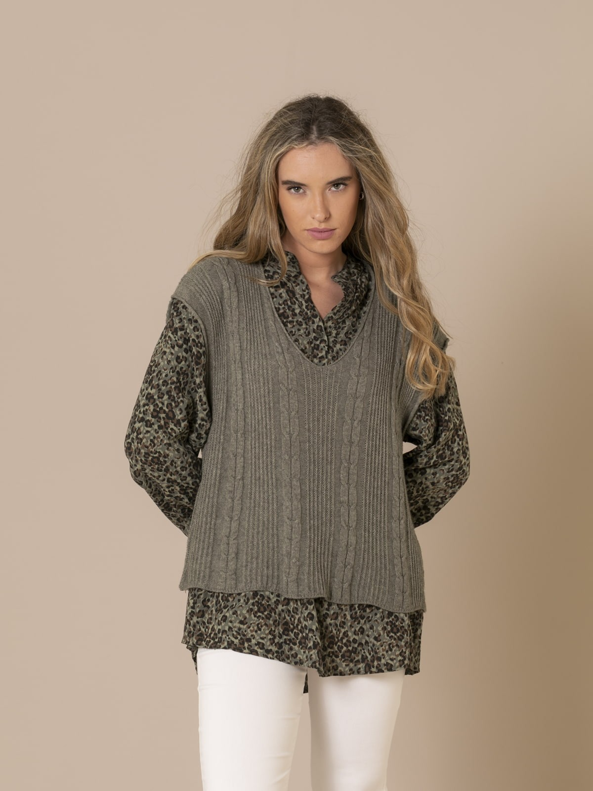 Woman Short braided knit vest Khaki