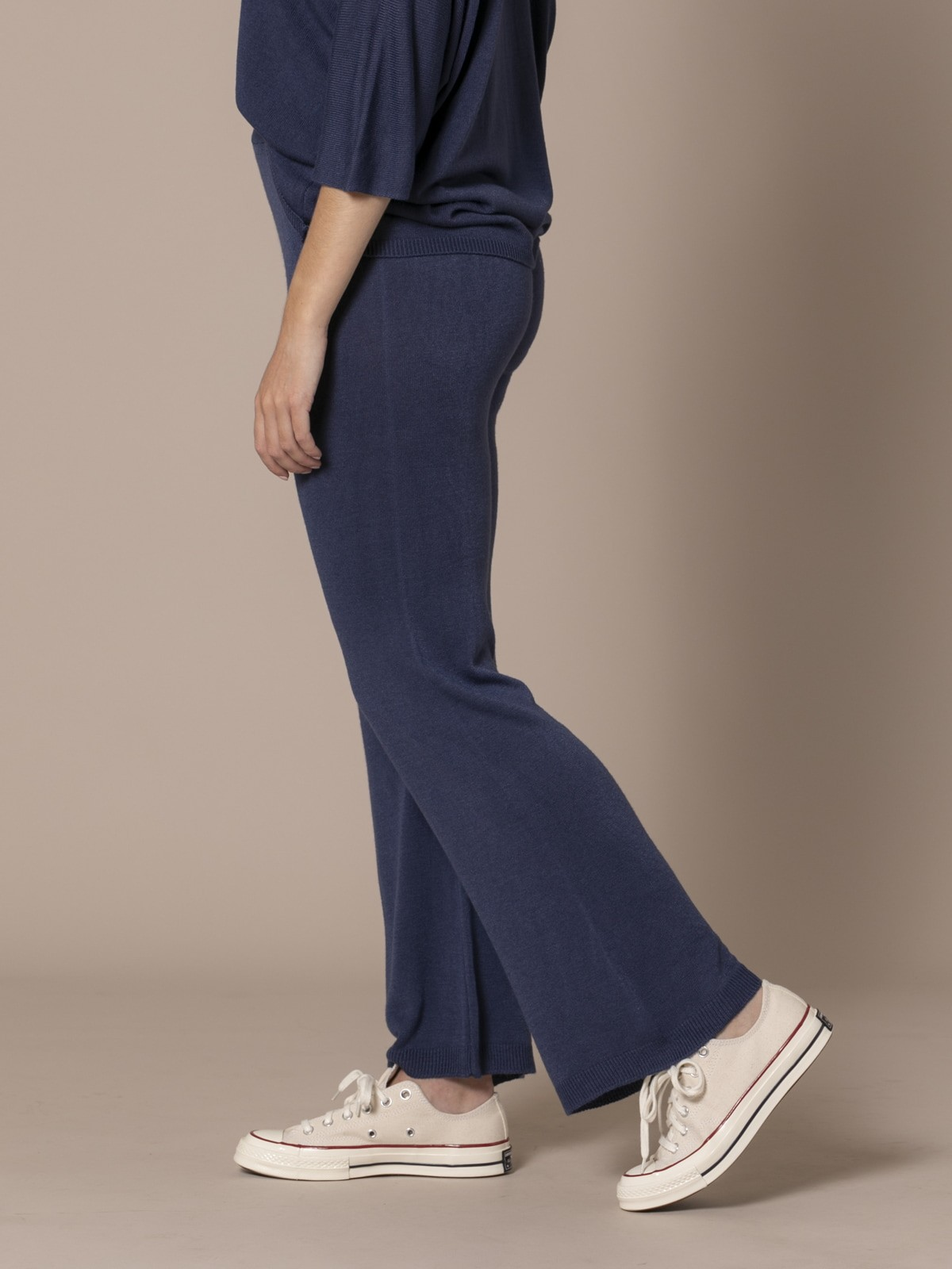 Woman Knit trousers Blue Navy
