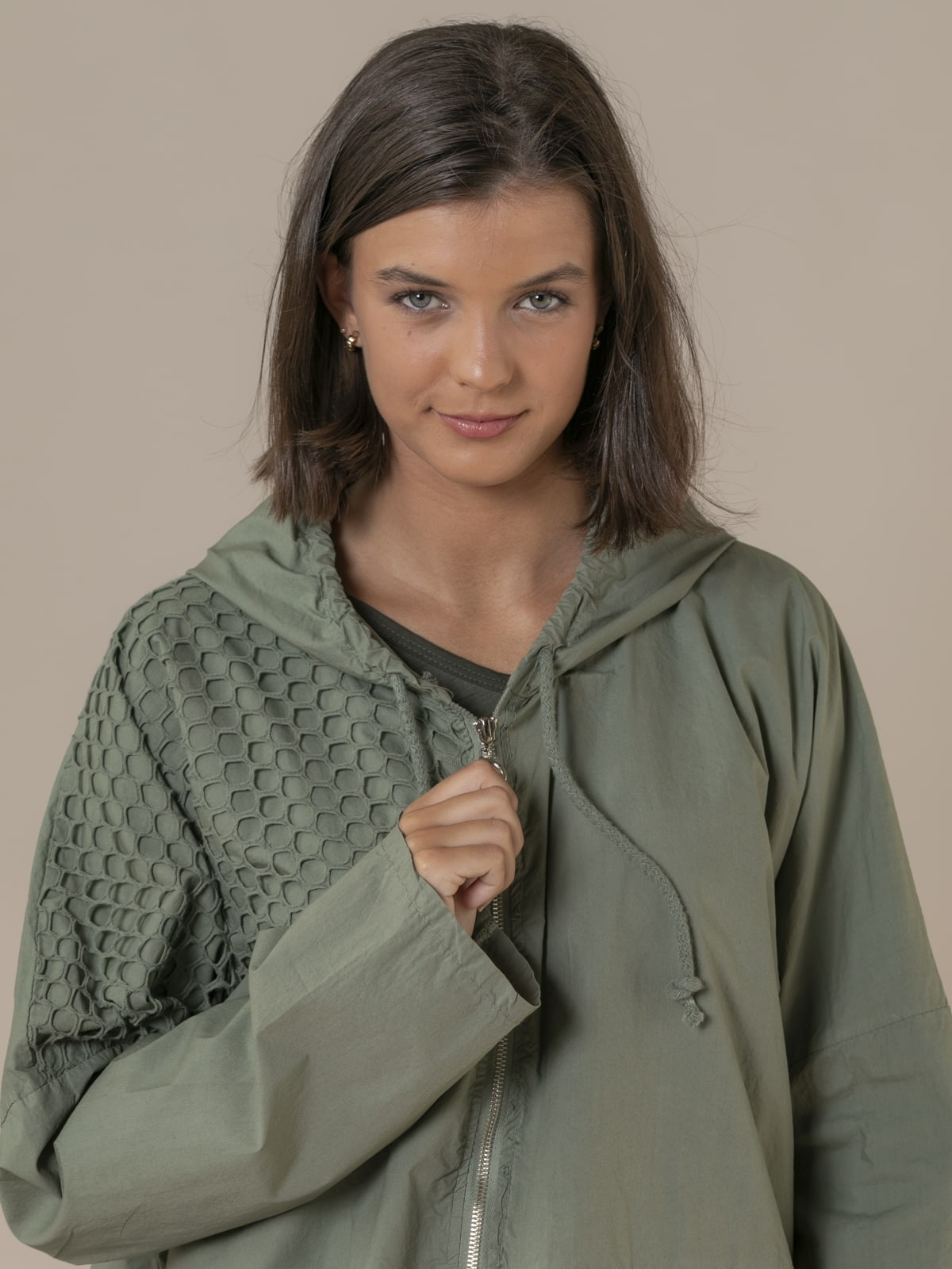 Woman Plain parka with net detail Khaki