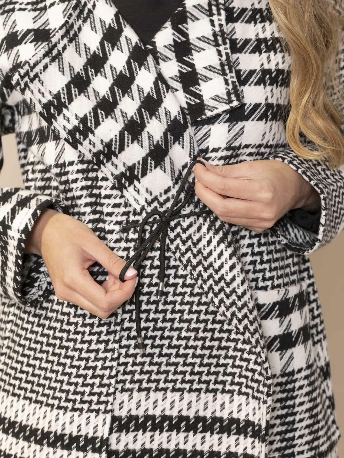 Abrigo mujer de lana pata de gallo Negro