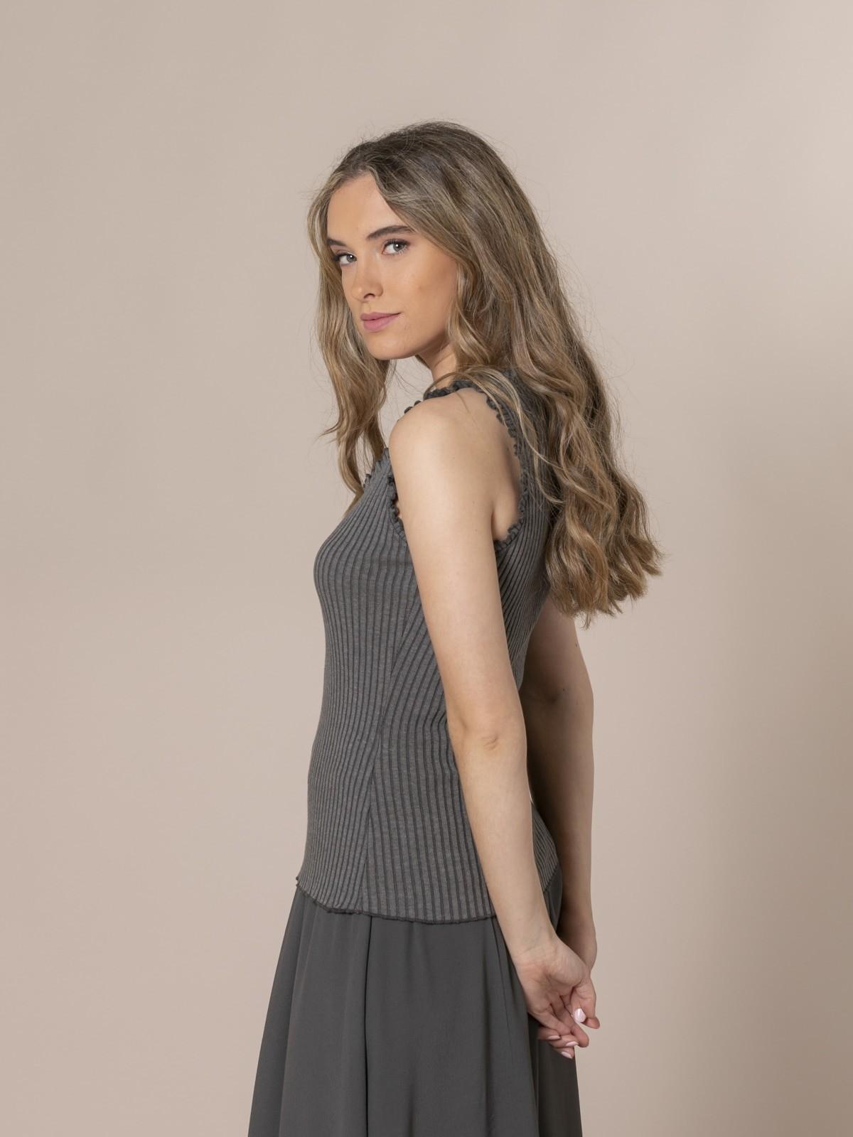 Woman Ribbed and ruffled T-shirt Grey