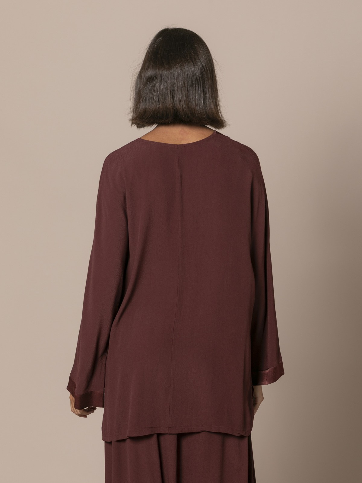 Camisola oversize cuello pico Granate