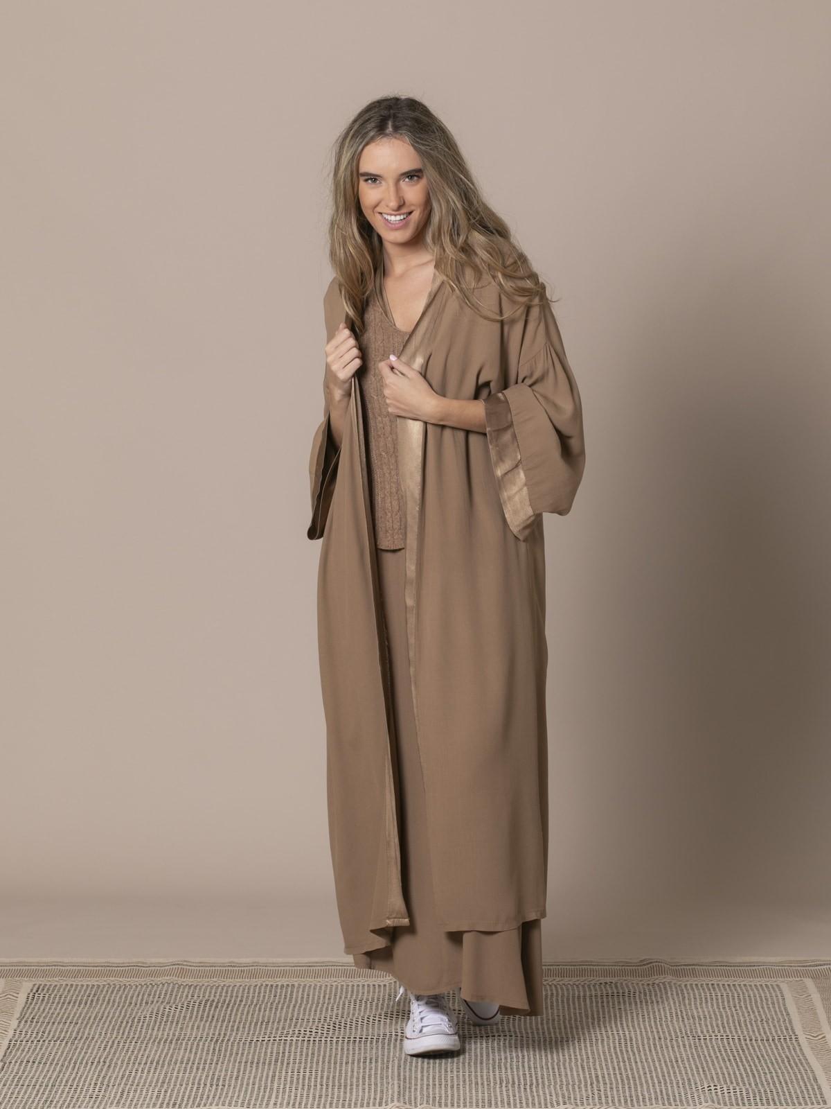 Woman Flowy kimono Camel