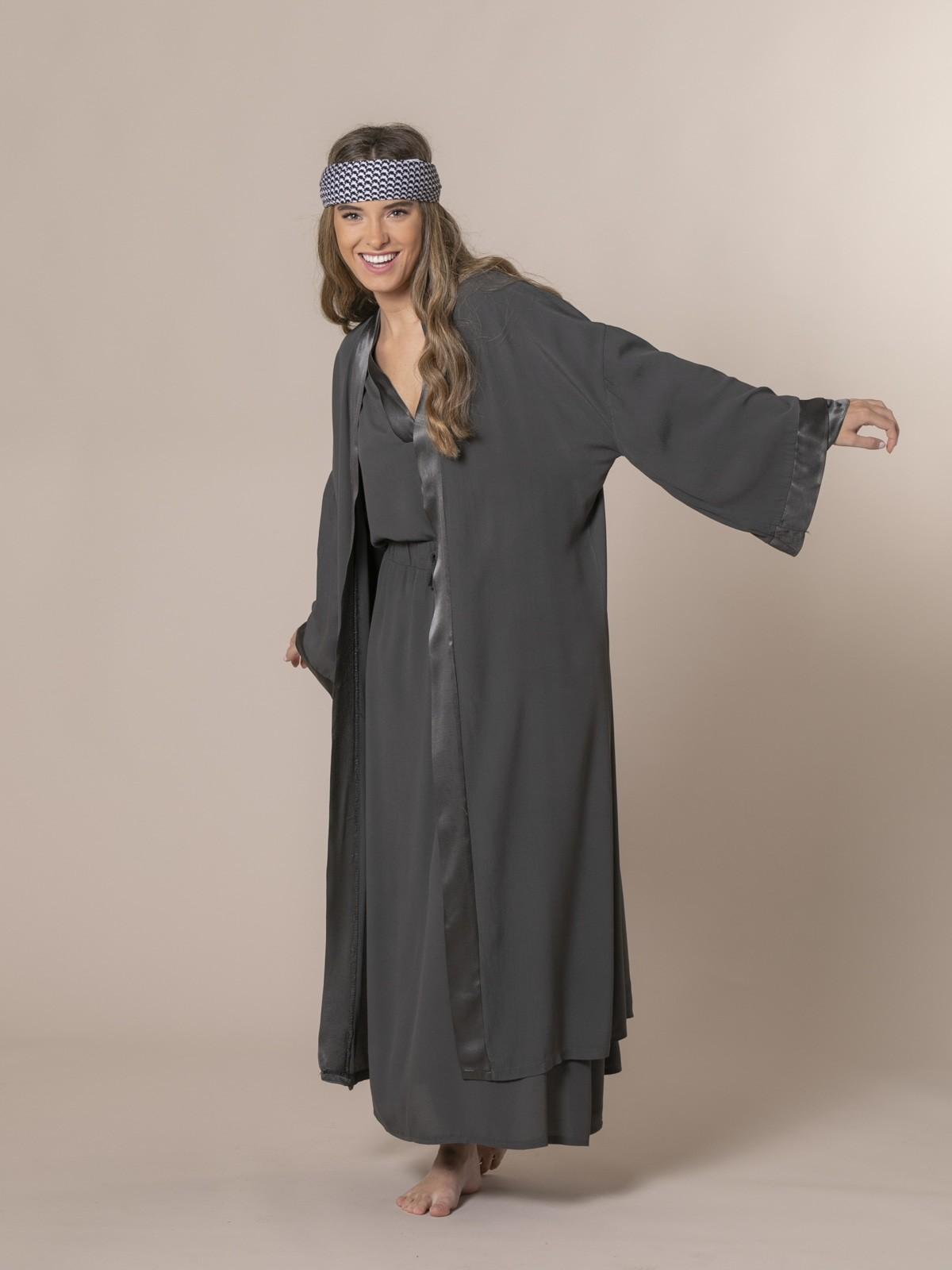 Woman Flowy kimono Grey