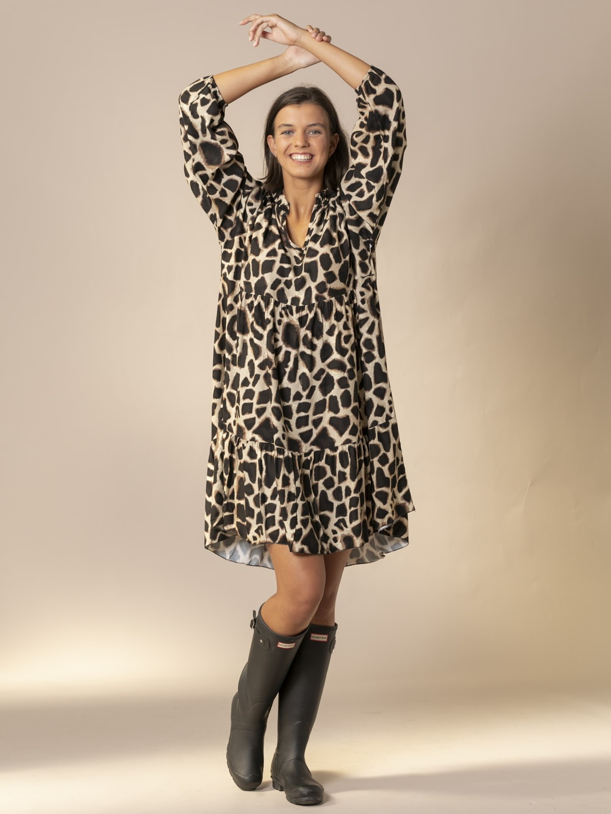 Woman Oversized animal print midi dress Black